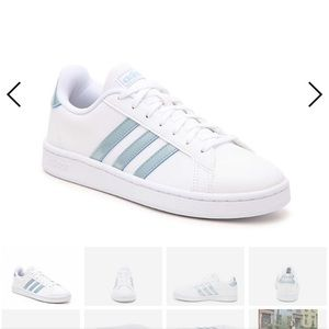 Adidas cloudfoam sneakers. Blue/ white. Size 8